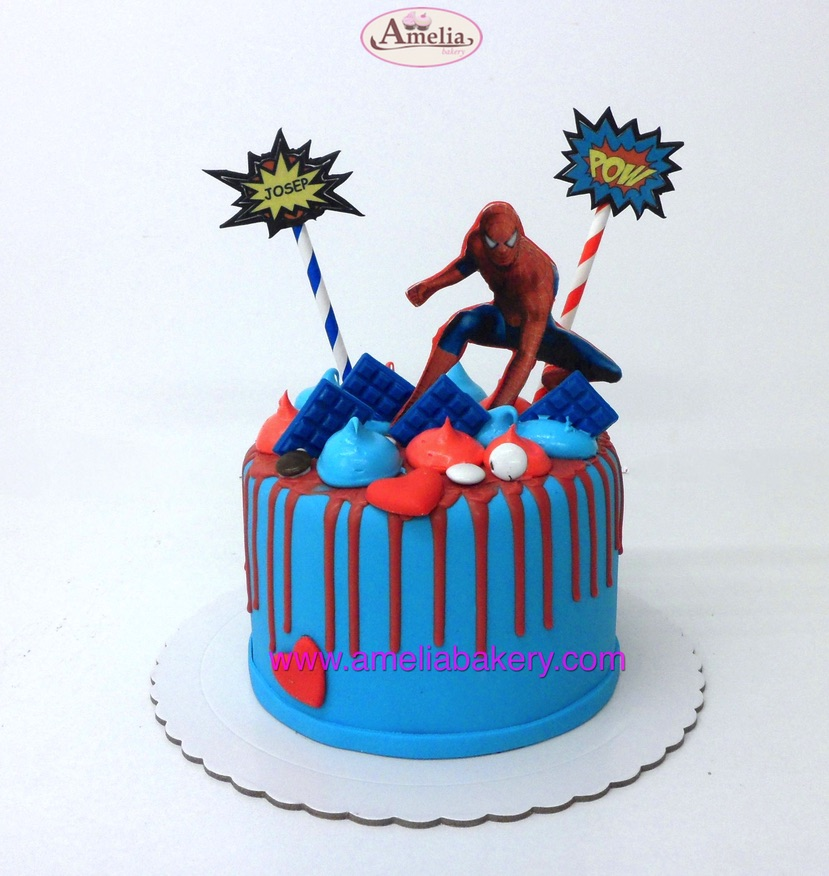 Tarta Fondant Spiderman drip cake