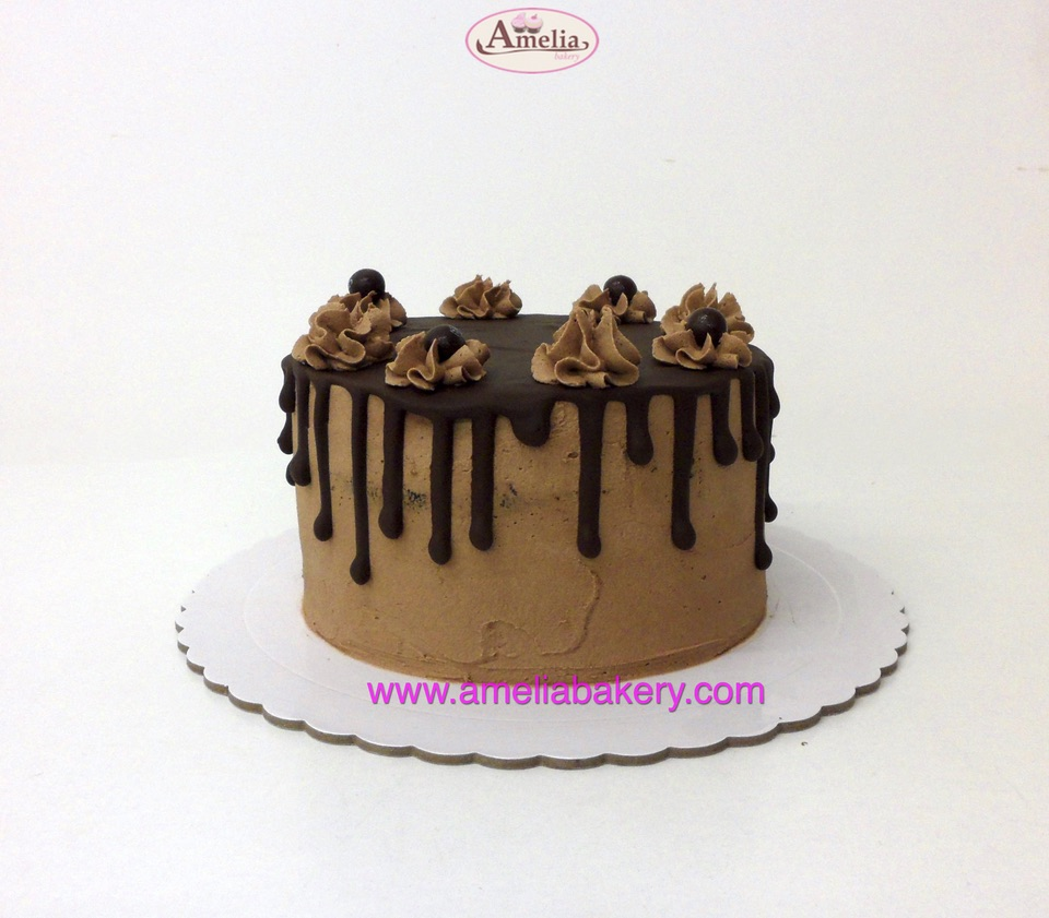 Pastel-Chocolate-drip-cake