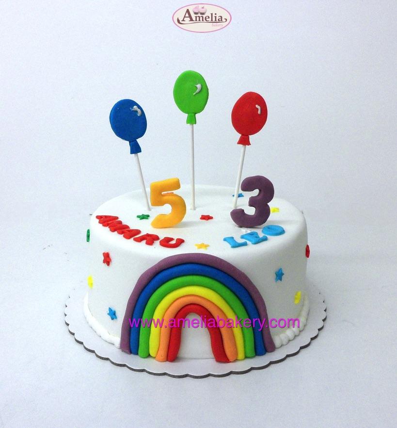 Tarta-fondant-arcoiris-globos-infantil