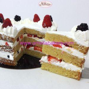 Pastel de Nata y fresas y/o frutos rojos semi naked